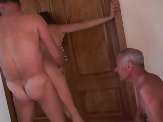smotret-onlayn-domashniy-bespredelniy-seks-samoe-krasivoe-zhenshini-mira-video-porno
